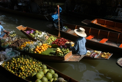 13332_bangkok_floating_market