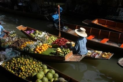 13332_bangkok_floating_market