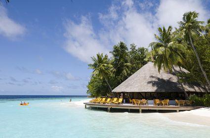 13589_ihuru_maldives_seascape