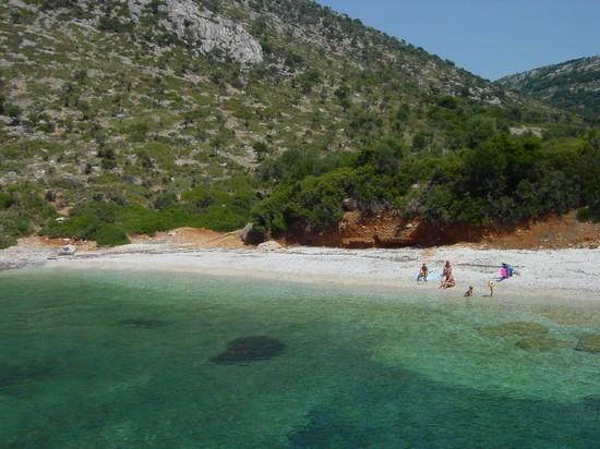 17408_alonissos_la_spiaggia