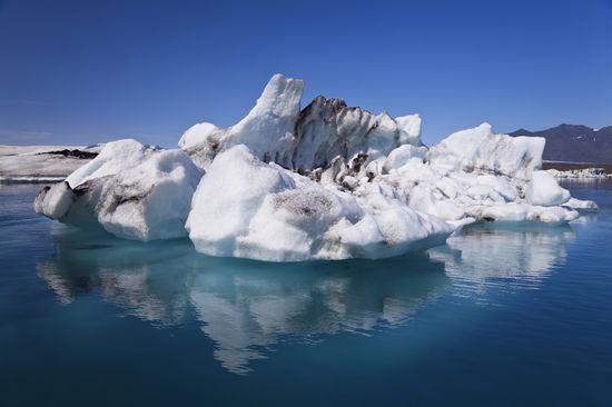 22654_reikiavik_iceberg