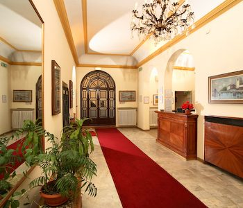 Hotel accademia a bologna confronta i prezzi for Albergo orologio bologna