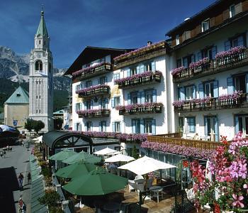 Hotel ancora a cortina d 39 ampezzo confronta i prezzi for Meuble al larin