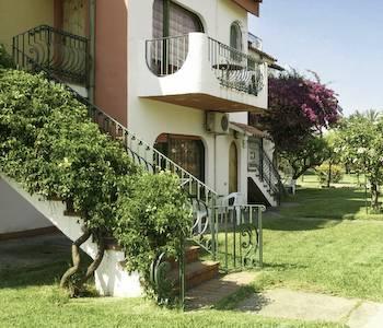 Holiday club in giardini naxos compare prices - Hotel la riva giardini naxos ...