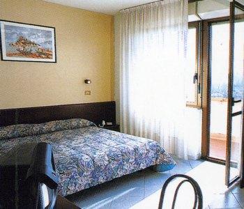 Eurhotel a firenze confronta i prezzi for Soggiorno la pergola firenze