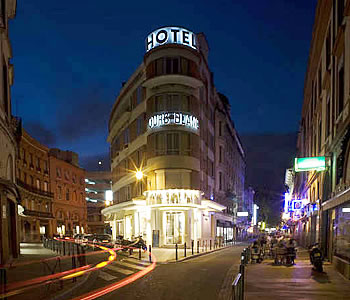 Hotel ours blanc wilson in toulouse compare prices for Appart hotel rodez