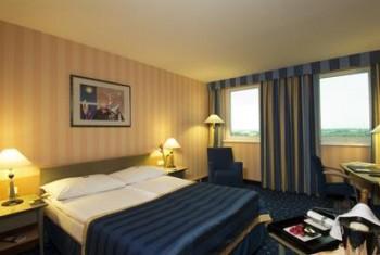 Hotel: NH Danube City - FOTO 2
