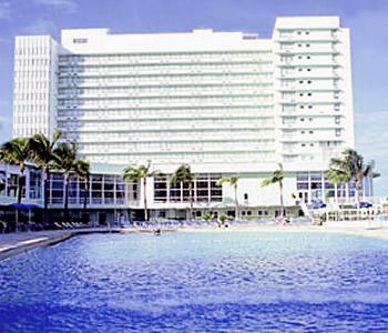 deauville beach resort in miami beach compare prices. Black Bedroom Furniture Sets. Home Design Ideas