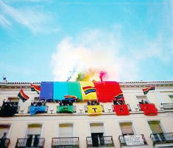 Gay hotel puerta del sol in madrid compare prices for Puerta del sol online