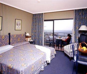 Camera a due letti con vista mare
