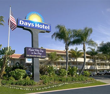 Days Inn Hotel Circle - SeaWorld in San Diego - Compare prices