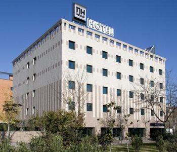 Hotel nh barajas a madrid confronta i prezzi for Barcellona albergo economico