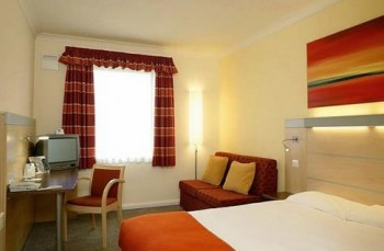 Hotel: Express By Holiday Inn Warrington - FOTO 2