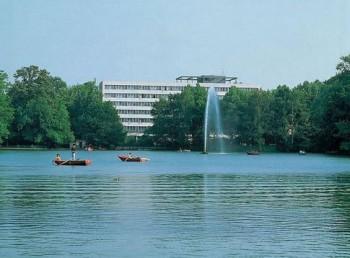 Hotel Hotel Holiday Inn Koln Am Stadtwald K 246 Ln Preise