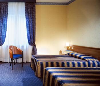 Hotel best western re enzo a bologna confronta i prezzi for Albergo orologio bologna