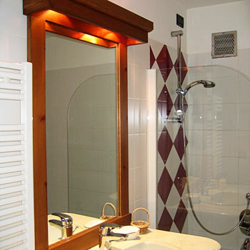 Hotel croux in courmayeur compare prices for Meuble berthod courmayeur