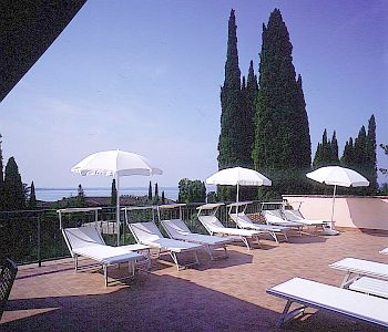 Hotel meridiana in sirmione compare prices for Meuble adriana sirmione