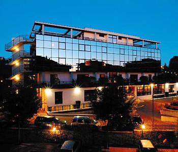 hotel zone in rome compare prices. Black Bedroom Furniture Sets. Home Design Ideas