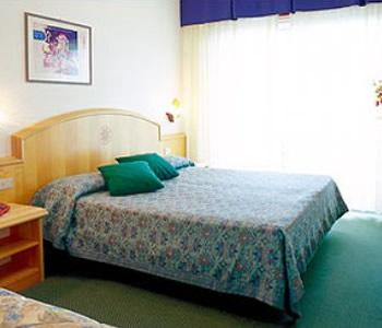 Hotel international in lignano sabbiadoro compare prices for Hotel meuble oasi