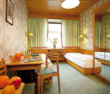 Hotel: Hohenstauffen - FOTO 4