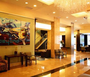 Century plaza hotel spa a vancouver confronta i prezzi for A salon vancouver