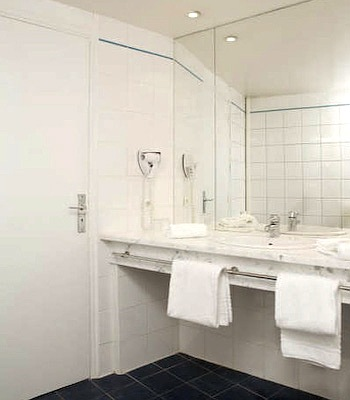 Hotel: Ours Blanc - Place Victor Hugo - FOTO 5
