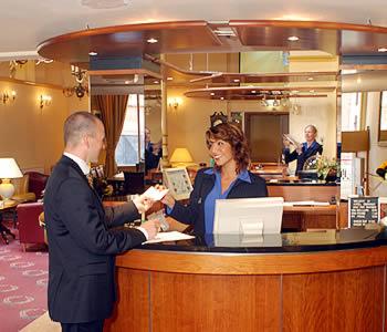 Hotel terminus a amsterdam confronta i prezzi for Hotel vicino piazza dam amsterdam