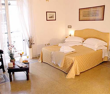 Bed and Breakfast: Napolicentralcity - FOTO 3