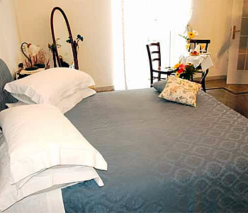 Bed and Breakfast: Napolicentralcity - FOTO 5