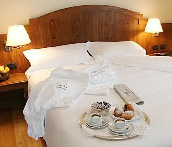 Hotel cresta et duc a courmayeur confronta i prezzi for Meuble berthod courmayeur
