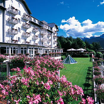 Cristallo palace hotel spa en cortina d 39 ampezzo for Meuble al larin
