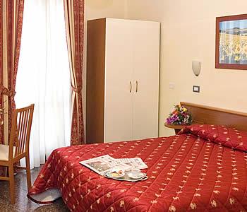 Hotel: Helvetia - FOTO 4