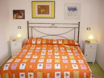 Bed and breakfast il tulipano in sorrento compare prices for Hotel mignon meuble