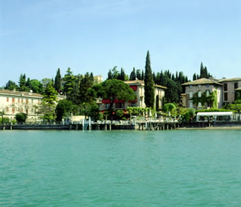 Hotel marconi in sirmione compare prices for Hotel meuble grifone sirmione