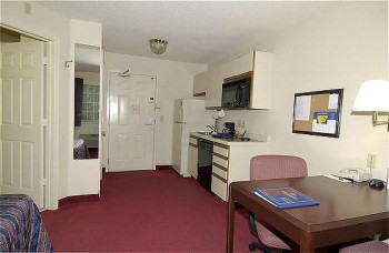Hotel: Candlewood Suites Charlotte Coliseum - FOTO 2