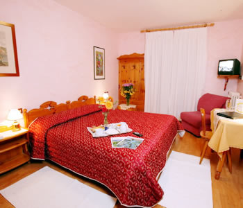 Meuble villa neve a cortina d 39 ampezzo for Hotel meuble villa neve cortina