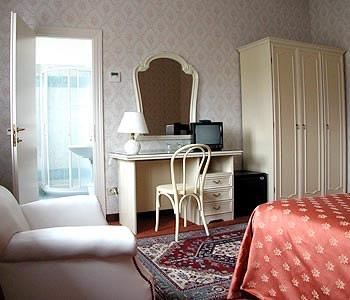 Hotel du parc stresa comparaison les prix for Hotel saini meuble