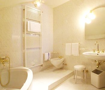hotel meubl sertorelli bormio home tattoo design bild. Black Bedroom Furniture Sets. Home Design Ideas