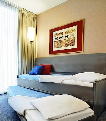 Marseille Bed And Breakfast Accommodation