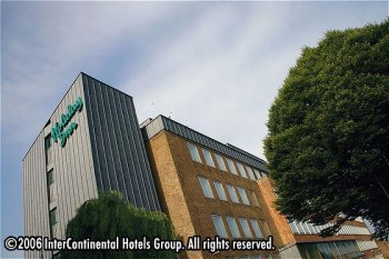 Hôtel: Crowne Plaza London-Ealing - FOTO 1