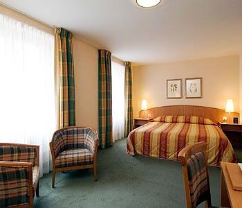Hotel: NH Luzern - FOTO 2