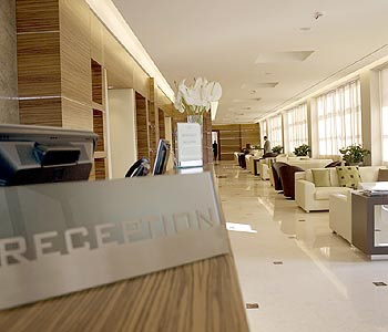 Hotel la favorita a mantova confronta i prezzi for Hotel mantegna meuble