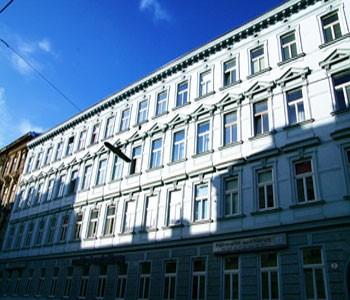 Design apartment vienna in vienna for Designer apartment vienna
