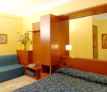 Hotel aurora a milano confronta i prezzi for Hotel aurora milano