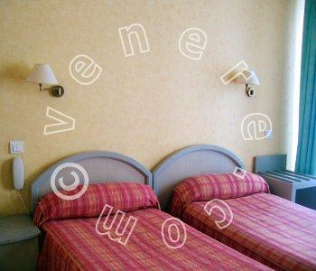 Hotel D Enghien A Parigi Confronta I Prezzi