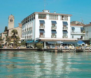 Hotel flaminia in sirmione compare prices for Hotel meuble grifone sirmione