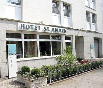 hotel st annen in hamburg compare prices. Black Bedroom Furniture Sets. Home Design Ideas