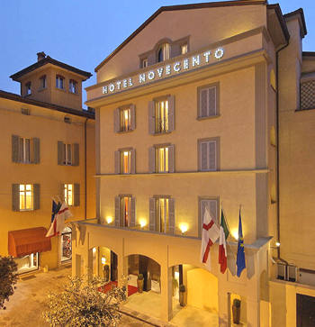 Art hotel novecento a bologna confronta i prezzi for Albergo orologio bologna
