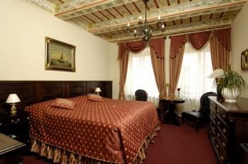 Hotel: U Zlatého Stromu - FOTO 3