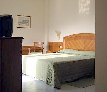 Grand hotel cesare augusto in sorrento compare prices for Hotel mignon meuble